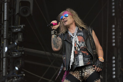 Androgyn - Fotos: Steel Panther live beim Wacken Open Air 2014