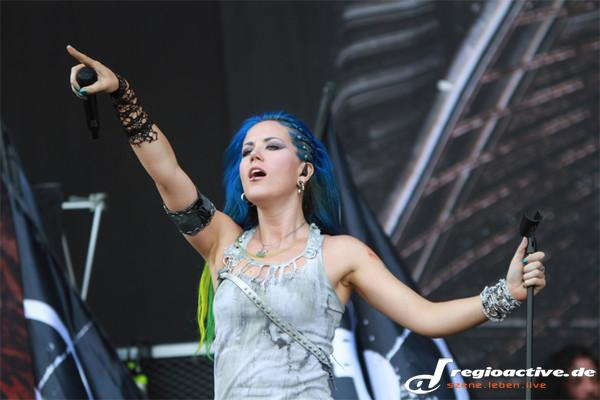 Metal-Nymphe - Fotos: Arch Enemy live beim Wacken Open Air 2014