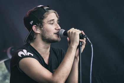 Pop/Rock aus Frankfurt - Fotos: Dreimillionen live beim Karben Open Air 2014